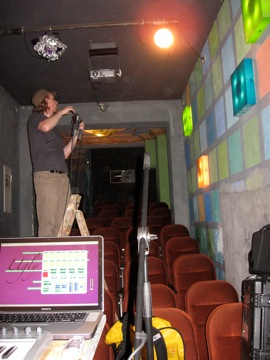 Phil setting up the recording mics at Salon Bruit, Licht Blick, Kino 77...