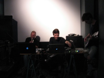 Soundcheck at Salon Bruit