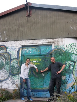 Phil and Jürg at their old venue, Stralau 68